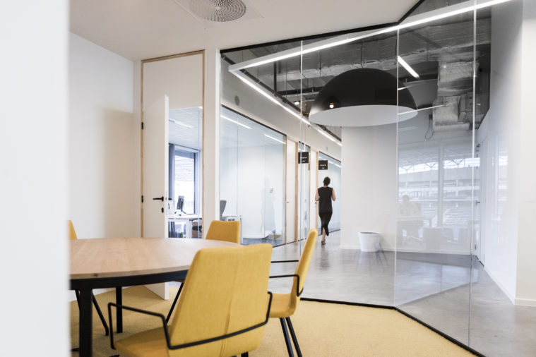 The floor plans have been extensively tested to meet the contemporary requirements of diverse types of tenants. The uncompromised open space allows for variety of office fit outs with a flexible breakdown of floorplates.